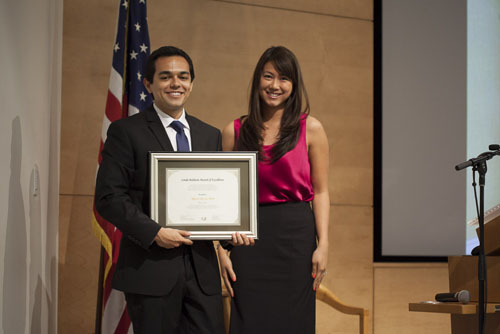 The Linda Baldwin Award of Excellence was awarded to Marco De La Torre. The award is presented annually to a Riordan MBA Fellow who has exemplified exceptional commitment to personal and team excellence.