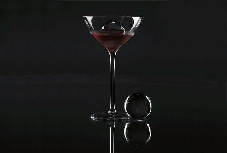 Glace Luxury Ice in a martini glass